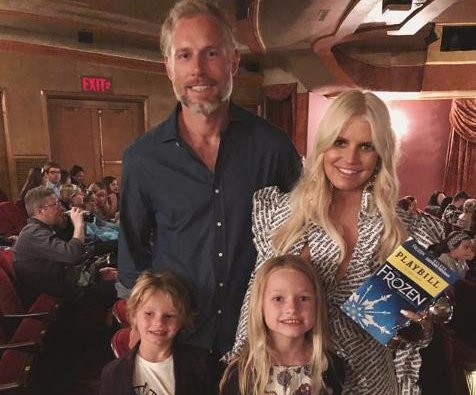 Jessica Simpson shares photo from family's Broadway 'adventure'