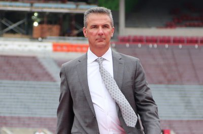 Urban Meyer to become assistant athletic director at Ohio State