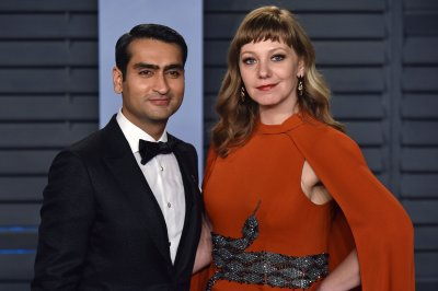 Kumail Nanjiani on meeting Oprah Winfrey: 'She touched my face!'