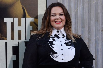 Melissa McCarthy pranks dry cleaning employees on 'Ellen'