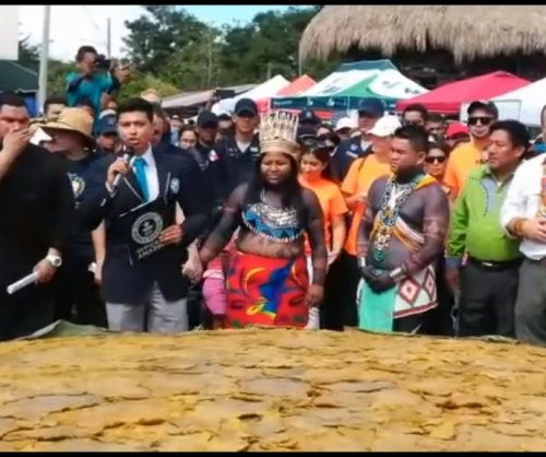 World's largest plantain fritter cooked up in Panama