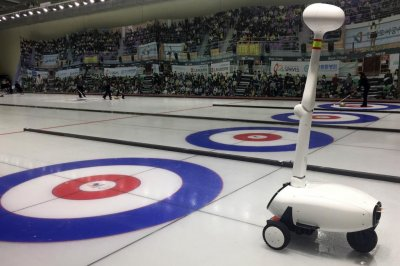 Robot beats humans at curling thanks to deep learning program