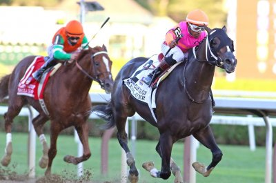 Max Player wins Gold Cup as holiday racing sets up big Breeders' Cup clashes