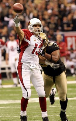 Kurt Warner retires from the NFL
