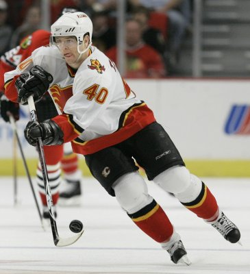 Flames sign Tanguay to long-term deal