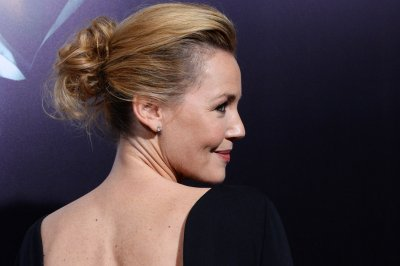 Connie Nielsen to play Wonder Woman's mother