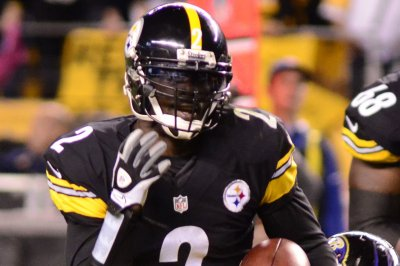Michael Vick hoping for one final season in NFL