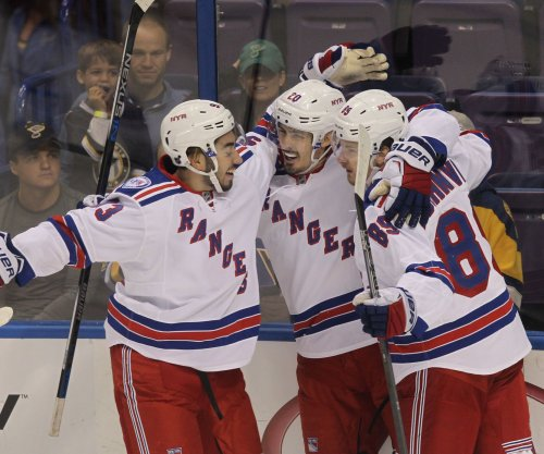 New York Rangers rev up attack in 5-2 win over Florida Panthers