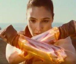 'Wonder Woman' details her origin in movie preview