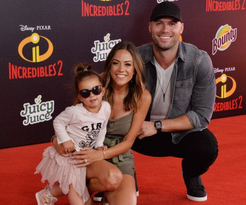 Jana Kramer says baby No. 2 is a boy: 'We were shocked'