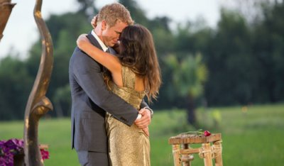'Bachelor' Sean Lowe proposes to Catherine Giudici