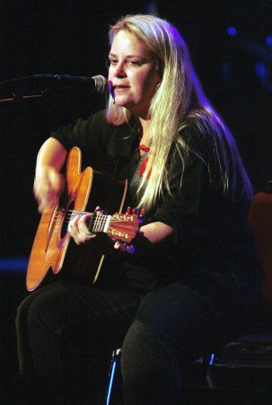 Mary Chapin Carpenter pens Times column