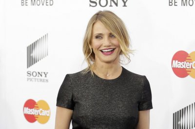 Cameron Diaz drinks odd concoction on 'Tonight Show'