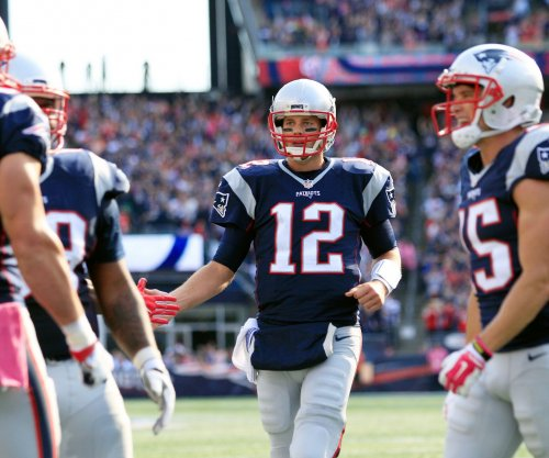 Tom Brady throws 4 TDs as New England Patriots top San Francisco 49ers