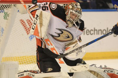 Anaheim Ducks G John Gibson stellar in shutout of Chicago Blackhawks