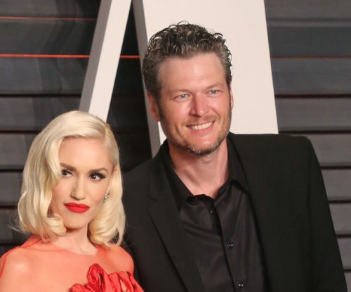 Gwen Stefani, Blake Shelton have 'date night' at ACM Awards