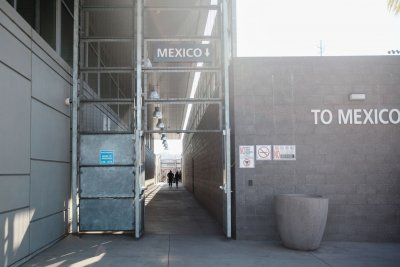 Amnesty International: U.S. returns migrants to 'chaos' in Tijuana