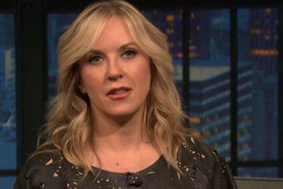 Liz Phair says new memoir 'very revealing' on 'Late Night'
