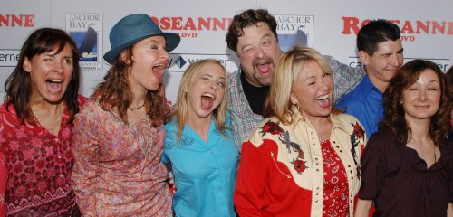 'Roseanne's' Becky and DJ mark show's 25th anniversary