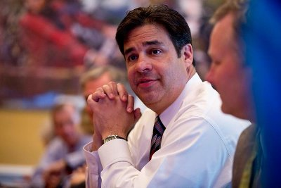 Idaho Rep. Labrador to challenge McCarthy for majority leader