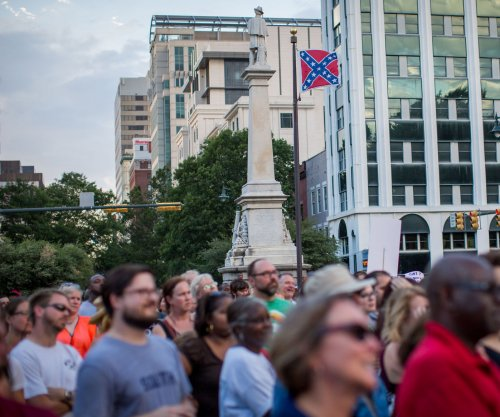 Georgia Confederate flag parade ends in fender-bender