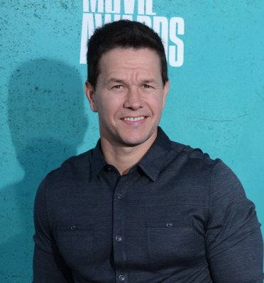 Wahlberg to star in 'Transformers 4'