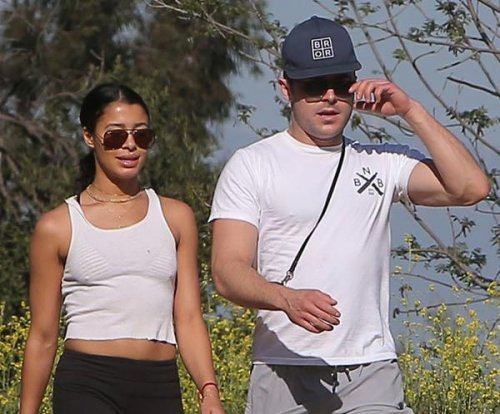 Zac Efron, girlfriend Sami Miro spotted on hike in LA