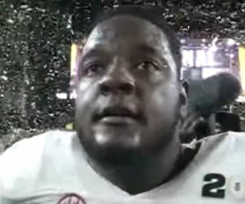 Alabama star LT Cam Robinson arrested for felony