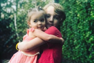 Ashlee Simpson posts new photo of kids: 'Brother sister love'