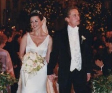 Catherine Zeta-Jones gushes over Michael Douglas on 17th anniversary
