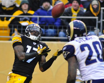 Report: Steelers' Wallace to end holdout