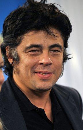 Cuban government honors del Toro