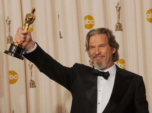 135 invited to be Oscar voters