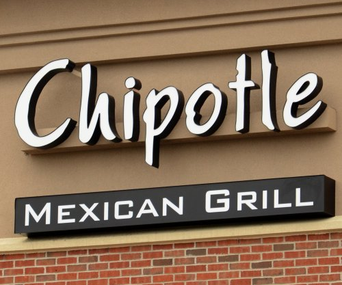 "Chipotle apologizes for employee's ""Hands up! Don't shoot!"" protest"
