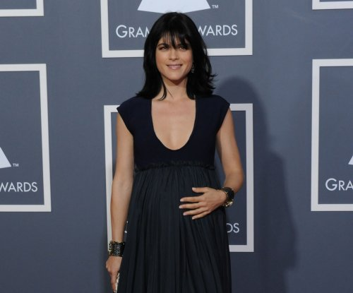 Selma Blair on plane incident: 'I had a total psychotic blackout'
