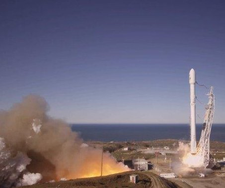 SpaceX successfully launches Falcon 9 rocket for first time since explosion