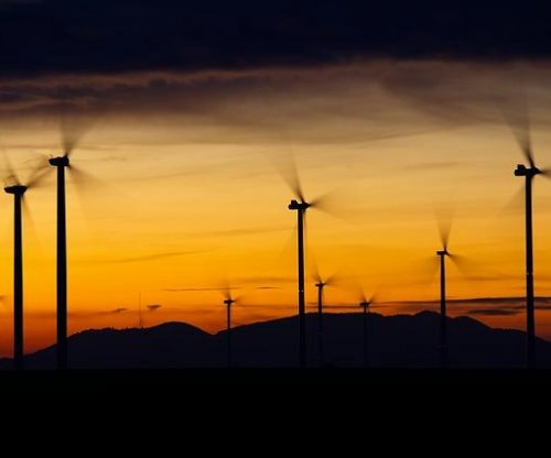 Wind to lead U.S. electric capacity additions at power plants in 2019