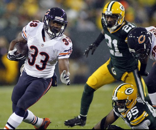 Chicago Bears promote Dowell Loggains to OC