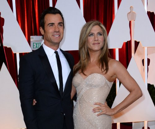 Jennifer Aniston says Justin Theroux surprised her on Thanksgiving