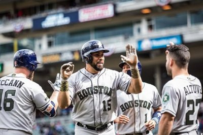 Carlos Beltran, Houston Astros stay hot through delay to blast Minnesota Twins