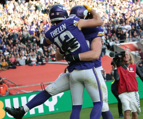 Minnesota Vikings' Adam Thielen, Andrew Sendejo active vs. Eagles