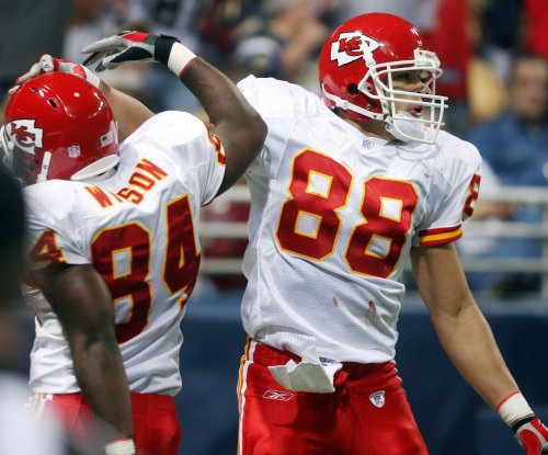 Tony Gonzalez to be inducted into Chiefs Hall of Fame