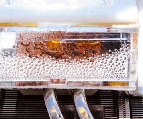 New device can harvest water from arid desert air