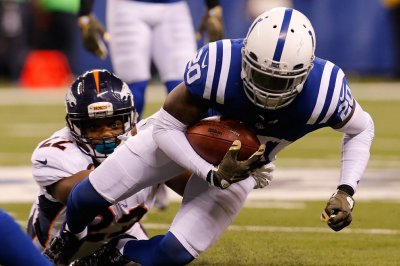 Indianapolis Colts CBs Darius Butler, Antonio Cromartie injured vs. Denver Broncos