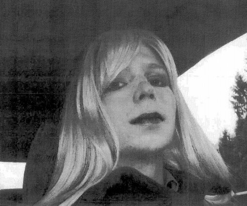 Whistleblower Manning headed to solitary confinement for suicide attempt
