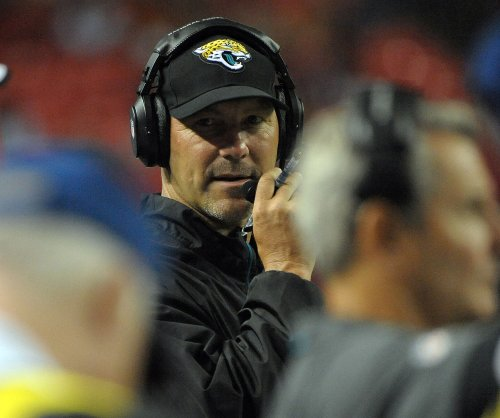 Jacksonville Jaguars owner won't be firing coach Gus Bradley