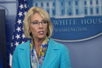 Education Department ditches plan to use single student loan servicer