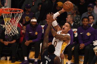 Surging Los Angeles Lakers continue road trip against Memphis Grizzlies