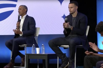 Ex-President Barack Obama takes credit for Stephen Curry's jumper