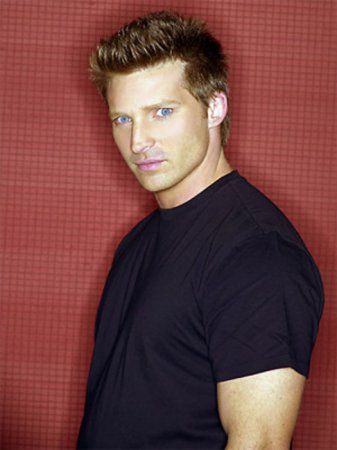 'GH' star Steve Burton heading to 'Y&R'
